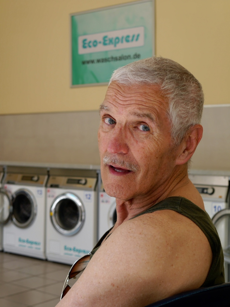 Tito in the laundrette